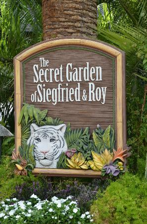 siegfried and roy secret garden review