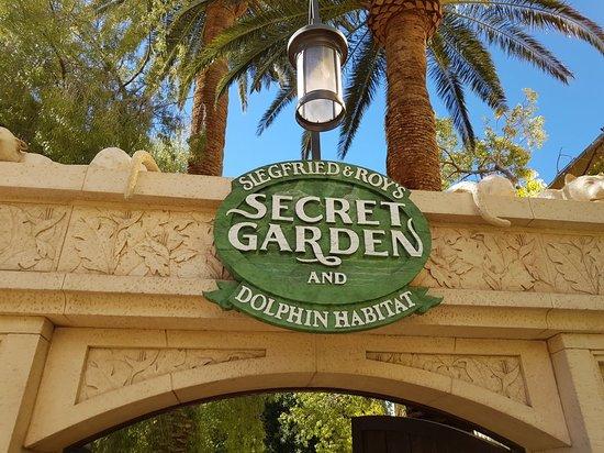 siegfried and roy secret garden review